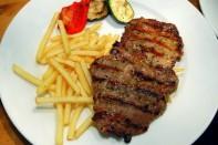 Grilovany Steak Z Vysokeho Rostence Na Barevnem Pepri 2